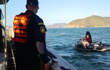 Guardacostas rescató a dos jóvenes a una milla náutica de Santa Marta