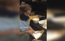 Mujer regaló 800 tamales para personal de salud que la salvó de la Covid-19