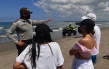 La Policía de Cartagena vigila el cumplimiento de las medidas en las playas de Cartagena.