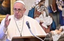 El papa dice que el 2021 será un buen año si las personas cuidan de los otros