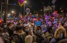 """""""Tenemos derecho a disfrutar"""": Wuhan celebró en masa la llegada del 2021"""