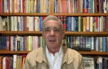 """Nuevos """"tres huevitos"""" de Uribe incluyen reforma tributaria """"moderada"""""""