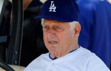 Tommy Lasorda, el reconocido entrenador de los Dodgers de Los Ángeles.