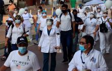 Pediatras e infectólogos de Colombia piden estar en primera fase de la vacuna