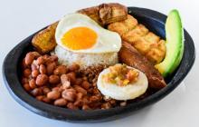 Dos platos paisas al mejor estilo vegetariano