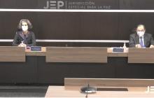 Los magistrados Eduardo Cifuentes, presidente de la JEP y Julieta Lemaitre.