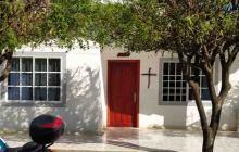 ¿Qué hay detrás de las cruces negras en Juan de Acosta?