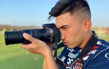 Fabián Ángel, que ha sido uno de los jugadores de Junior más destacados en las primeras jornadas, se apoderó de la cámara fotográfica en la práctica del jueves.