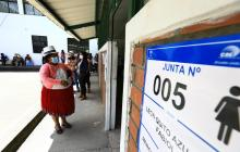 Elecciones en Ecuador terminan con normalidad pese a retrasos por la covid
