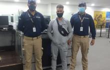 Migración captura a hombre que portaba documentos de identidad ilegales