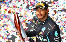 Lewis Hamilton renueva un año con Mercedes y seguirá en la F1