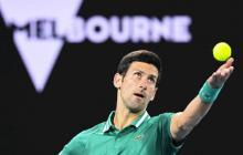 Djokovic y Thiem cierran sus estrenos en tres sets