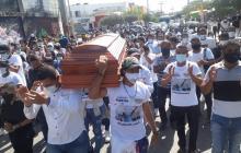 Familiares y amigos despidieron a Yecid, el líder asesinado en un atraco