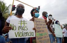 Una cadena humana clama por la paz del puerto de Buenaventura