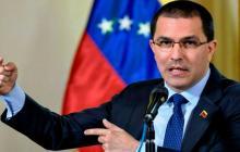 """Venezuela dice que Duque crea """"cortinas de humo"""" para ocultar sus ataques"""