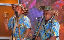 Gaiteros de Punta Brava con el maestro Sixto Salgado 'Paito'.