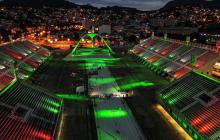 El Sambódromo de Río se ilumina en homenaje especial a víctimas de covid