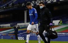El Everton de James se aleja de Europa tras derrota contra el Fulham