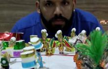 Un Carnaval en miniatura mantiene viva la fiesta de Brasil en la pandemia