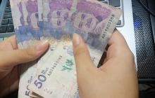 Aprenda a identificar si un billete es falso