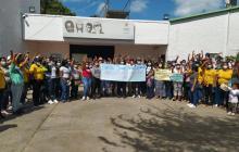 Plantón en el Icbf por miembros de ONG que fueron excluidos de contratación