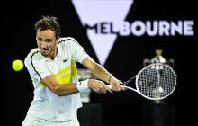 Medvedev frena a Tsitsipas y chocará con Djokovic en la final de Australia