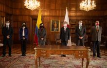 Japón dona a Colombia cuartos de refrigeración y congelación para vacunas