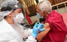 Avanza vacunación de mayores de 80 años en Galapa y Puerto Colombia
