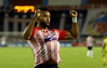 Miguel Borja celebrando el gol de penalti ante Atlético Bucaramanga.