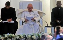 El papa en Irak: No se puede callar cuando el terrorismo abusa de la religión