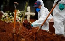 Muertes por la covid -19 en Brasil no dan tregua