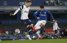 James fue titular en el empate del Everton