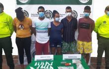 Policía captura a cinco personas señaladas de vender drogas en Sabanalarga
