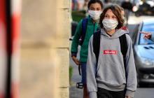 BioNTech y Pfizer piden autorización a la EMA para vacunar a adolescentes