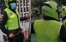 Policía abre investigación contra uniformados que taparon sus chalecos