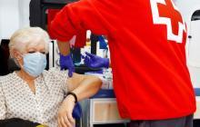 Vacuna contra covid y gripe ilusiona, mientras América quiere más inmunidad