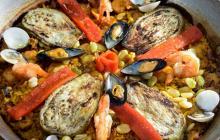 Paella de mar: un plato español con toques caribeños