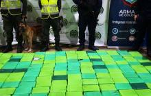 Incautan 300 kilos de cocaína en el puerto de Santa Marta