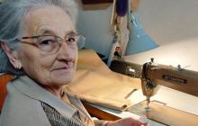 A los 77 años lanzó junto con su nieto una marca de zapatos a base de cannabis
