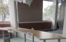 Destruyen sede de la Alcaldía del Suroriente de Barranquilla