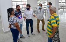 Alcalde Pumarejo socializa reubicación de vendedores en el edificio Robertico