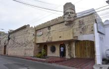 Hallan dos cadáveres dentro de un motel del Centro de Barranquilla