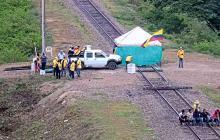 Extrabajadores vuelven a bloquear vía férrea de Cerrejón, en La Guajira