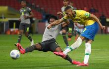 Brasil aparca la tormenta extradeportiva con un triunfo sobre Ecuador