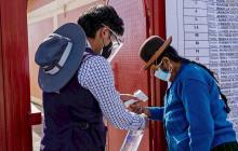 Ni la covid ni la edad impiden salir a votar masivamente en Lima