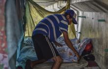 La historia de dos hombres que vivien debajo del puente de la zona portuaria en Barranquilla