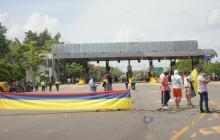 Bloqueos en Sabanagrande por protesta de comunidad