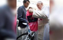 """""""Es más importante que ganar el Giro y el Tour"""": Egan tras conocer al papa"""
