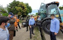 Ministro de Defensa verifica demolición de ollas de vicio en Córdoba
