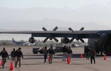 Gobierno de Chile expulsa en avión a migrantes colombianos